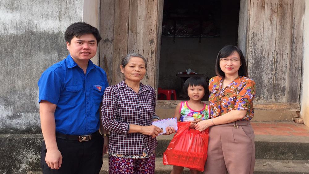 Một số tổ chức, cá nhân giúp đỡ cháu Đồng Thị Bích Diệp